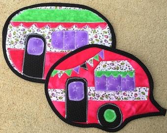 camper, camping, vintage camper, hot pad, pot holder, potholder, kitchen, baking, cooking, pink, purple, housewarming