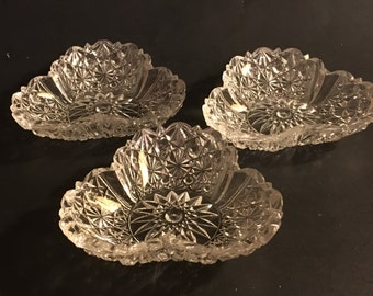 Button and Bows Pressed Glass Stacking Clear Candy Nut Dishes Set of 3