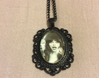 Elvira Cameo Necklace