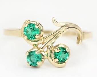 14K Emerald Three Stone Ring, Emerald Ring, May Birthstone Ring, Dainty Three Stone Ring, Dainty Emerald Ring, Minimalist Emerald Ring
