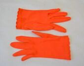 1950s Enchante Antron Fownes Coral Nylon Gloves, Size B