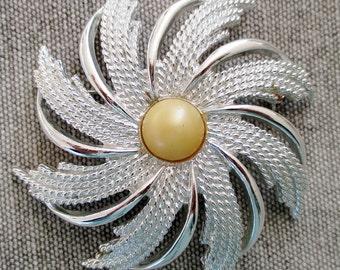 Vintage 60's Signed Sarah Coventry Silvertone Pinwheel Brooch Pin
