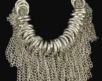"""Vintage Cool Chain Mail Rings & Fringe Silver Tone Punk Necklace 21"""" ."""