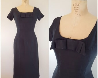 Vintage 1950s Black Dress / Fitted Wiggle Dress / Sexy LBD / Small