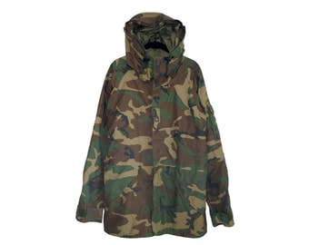 Vintage Army Issue  Cold Weather Camouflage Hooded Parka / Jacket, Made in USA - Medium Long