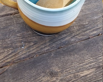 Pottery handmade spouted bowl prep bowl gravy boat with handle 4cups blue and gold food safe