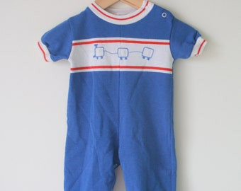 Vintage Blue TRAIN Romper.....size 12  months....kids. baby. boys. children. retro. jumper. romper. onesie. striped. one year. snap romper.