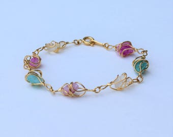 Vintage 1992 Signed Avon Whispers of Spring Size SMALL Gold Tone Faux Quartz Pink White Green Blue Multicolor Wire Wrapped Link Bracelet