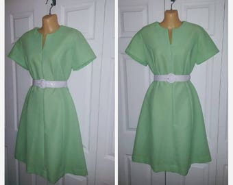 Minty Fresh ...... .Vintage 60s 70s midi day dress / waitress secretary stewardess mad men / green A line  .... M L bust 38