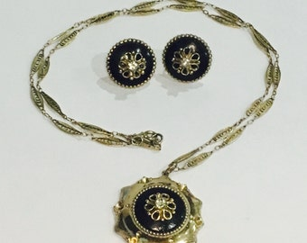 Gorgeous 1950s Coro Costume Pendant Necklace and Earring Set