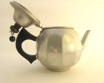 Vintage Mirror Aluminum Tea Kettle Side Handle Holds 1 QT