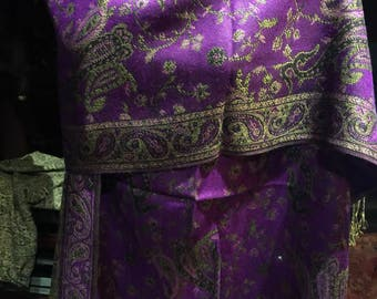 Nemesis Vintage Purple Beige Paisley Brocade Pashmina Scarf Wrap