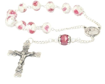 Mother's Roses & Hearts Pocket Rosary, Pope Francis Medal Center