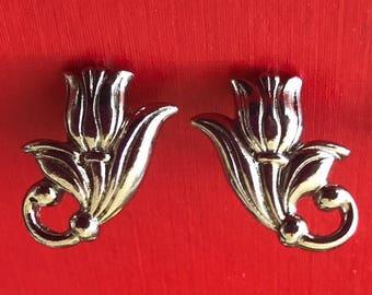 Avon 1990 Spring Tulip Pierced Earrings