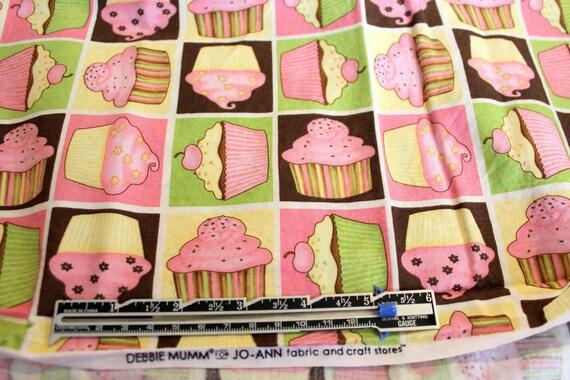 "Cupcake Fabric,Debbie Mumm,Jo-Ann Fabrics,100% Cotton Fabric,Quilt Fabric,Apparel Fabric,Craft Fabric,END OF BOLT 1 Yard 16"" x 44"" W"