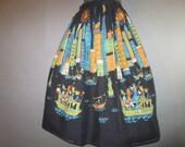 "Vintage 1960's Gathered,  Border Print Skirt // ""The Sightseers"", Manhattan, Statue of Liberty, Boats // Unhemmed...27"" waist"