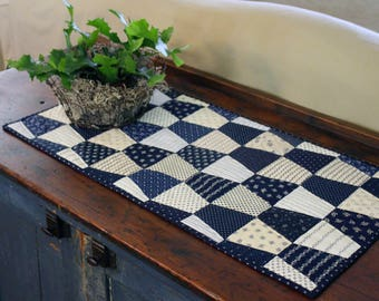 Polly's Tumblers Petite Quilt