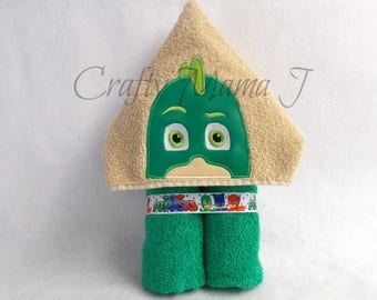 """PJ Mask Gekko inspired Green Lizard Hooded Bath Towel! 10"""" Hood. READY To SHIP. Perfect gift. Can be personalized. For Child or Adult"""