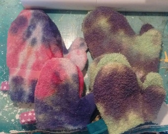 Tie Dyed Washing Mit with Flannel Lining