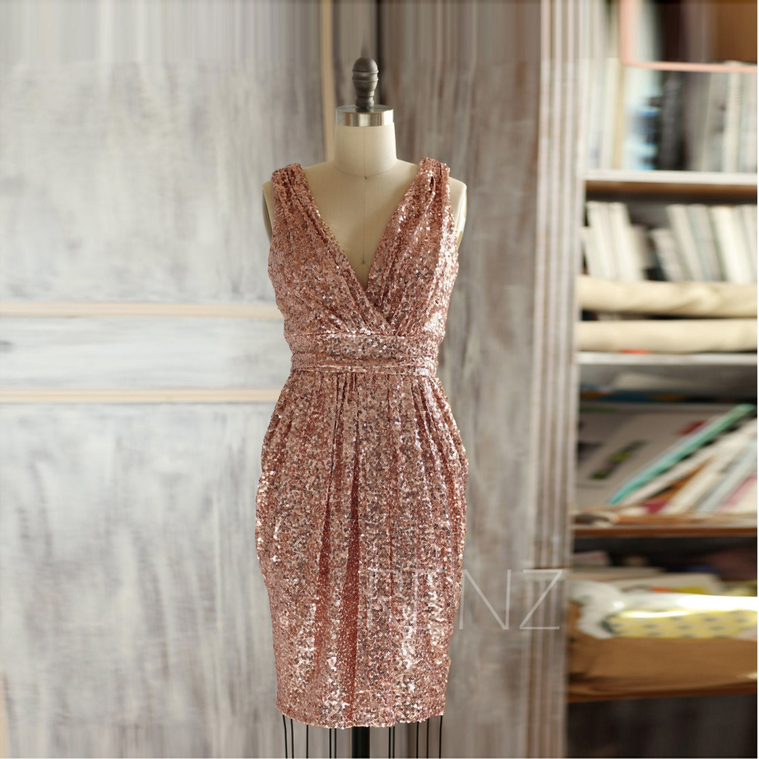 2017 Short Rose Gold Bridesmaid Dress Sequin V Neck Luxury
