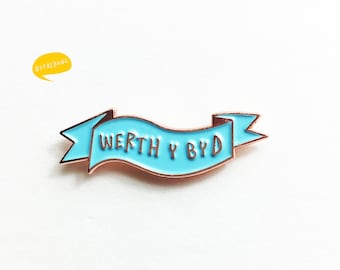 Lapel Pin Werth Y Byd Welsh Worth The World Blue Copper Brooch Pin