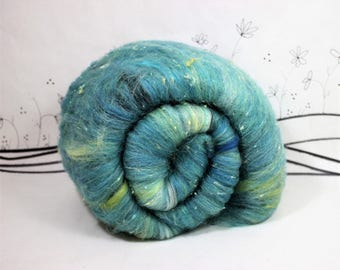 Wooly Batts art batts for spinnning, hand carded batt in Spring Day, 2 oz needle felting supplies fiber, merino spinning fiber batt, teal