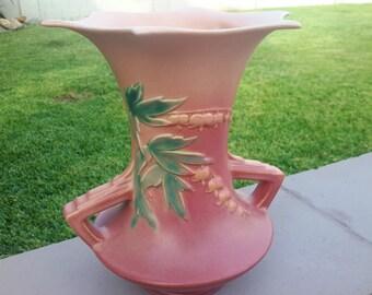 Roseville Pottery Bleeding Heart Vase Ca. 1938 Six Pointed Rim Art Deco Design 969-8