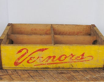 Vintage Soda Crate Squirt Vernor's Inc. Buffalo New York