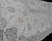 """Vintage quaker lace dinner cloth tablecloth # 5120 beige 64"""" x 72"""" linens 1930's textiles"""
