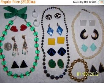 20 OFF SALE, Vintage Jewelry (Lot 24). Medium Size IX.