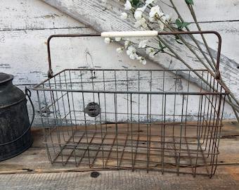 Vintage Wire Market Basket - Swing Handle