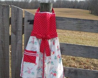 Apron Farmhouse Style with Bib Front made from Repurposed Flour Sacks Gourmet Mom, Retirement, Birthday Gift in Red, Green and White