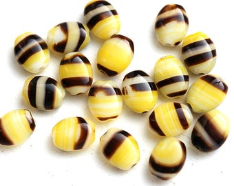 8x6mm Oval Bee colored beads, Yellow Black and White czech Glass ovals - 20Pc - 2983