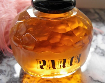 Paris Factice Display, Perfume