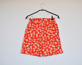 Vintage 90s High Waisted Orange and White Floral Print Cotton Shorts Small