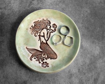 Handmade Mermaid Ring Holder Jewelry Dish Small Keepsake Pottery Mint Color Ceramic Tea Bag Holder Beach Wedding Home Decor Spoon Rest