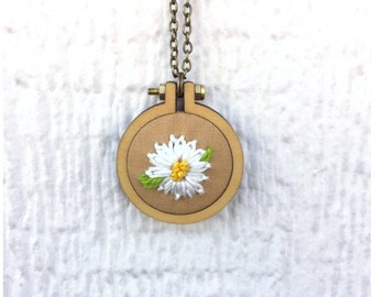 Daisy Necklace, Daisy Embroidery Pendant, 2 inch hoop, Floral Necklace, Brown With Daisy, Ready to Ship