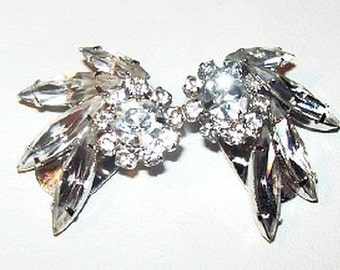 """Napier Rhinestone Earrings Signed Clip Ons Clear Ice Navettes Silver Metal 1"""" Vintage"""