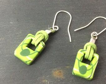 Hook dangle earrings - pantone2017 greenery - Polymer clay earrings