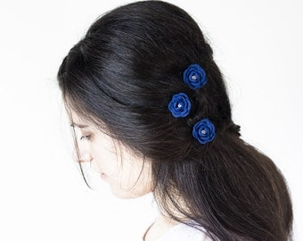 719_Blue flower hair pins, Blue Bridal Hair Pins, Royal blue rose hair pins, Blue wedding rose, Fabric blue flower, Rhinestones hair pins