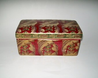 Vintage Porcelain Box Lidded Treasure Box Gift Box Jewelry Box Trinket Box Red Gold Gilt Leaf Design