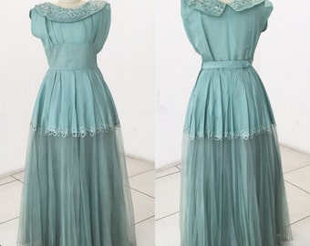 Sale! Late 1940s early 1950s evening gown