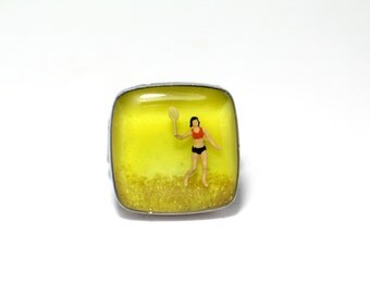 Beach lovers, summer player. Miniature, diorama, Resin ring. Modern jewelry. Adjustable ring. Square resin ring. yellow