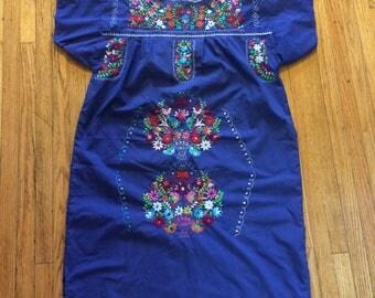1960s Blue Oxacan Embroidered Shift dress sz l
