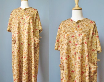 Flowered House Coat / Vtg60s / Heather Young Brown Flowered House Coat / Floral House Dress