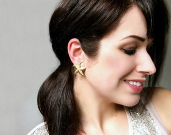 Gold Starfish Earrings, Cute Vintage Studs, Gold Vintage Earrings, Beach Wedding, Nautical Jewelry, Big Gold Post Earrings, Mermaid Jewelry