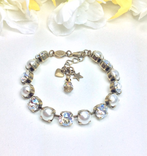 Swarovski Crystal & Pearl 8.5mm Bracelet - Radiant Moonlight and Creamy Pearls -  Designer Inspired   FREE SHIPPING