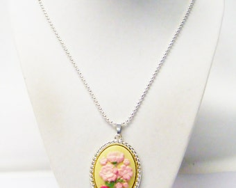 Oval Yellow w/Pink Flower Cabochon Pendant Necklace