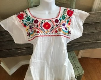 Authentic Traditional Mexican Hand Embroidered Floral Design (Medium)