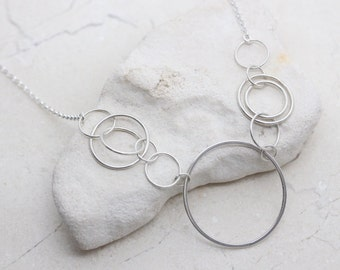 Sterling Silver circles necklace, Silver Link necklace, Circle Necklace, Linked Circles Necklace. Interlocking Rings, Entwined Circles.